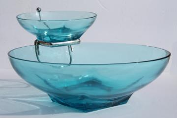 Capri blue Hazel Atlas glass chip & dip bowl set w/ metal rack, mod square foot round bowls