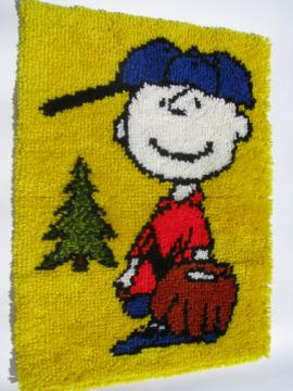 Charlie Brown baseball Peanuts 70s retro latch hook wall hanging rug