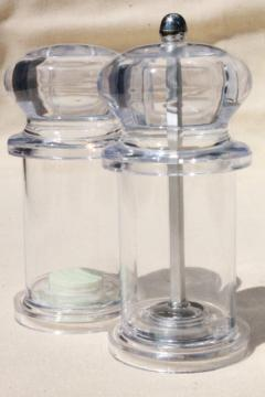 clear lucite plastic S&P kitchen range set, retro modern pepper grinder & salt shaker