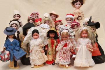 collection of retro big eyed Bradley dolls & Ginny dolls, 1970s vintage