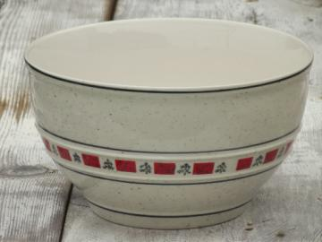 Country Crock Christmas tree stoneware mixing bowl, Tienshan china