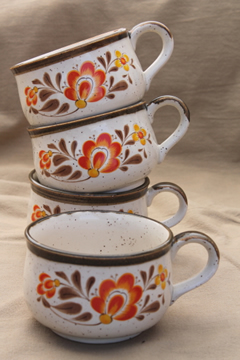 Country kitchen vintage ceramic big mugs, soup cup bowls w/ handles