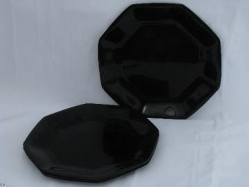 Ebony black Octime pattern glass dinner plates, Arcoroc France