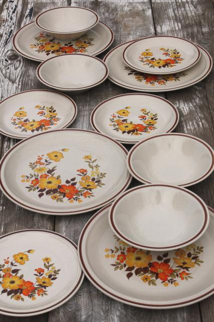fall flowers vintage dinnerware set Hearthside stoneware Chablis pattern 70s 80s retro & vintage china dishes and dinnerware