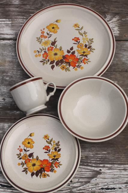 fall flowers vintage dinnerware set Hearthside stoneware Chablis pattern 70s 80s retro & fall flowers vintage dinnerware set Hearthside stoneware Chablis ...