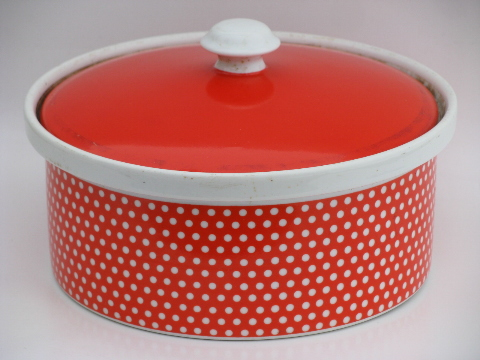 Fitz and Floyd Dotted Swiss covered casserole dish, oven to table china