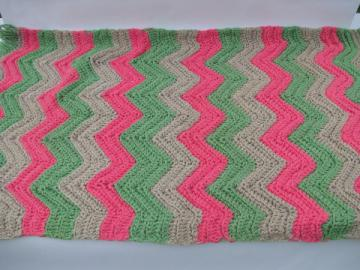 Funky retro preppy vintage pink & green thick cotton yarn crochet throw rug