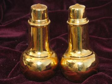Gold electroplate salt and pepper shakers set, International Silver