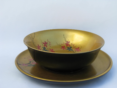 Gold lacquer salad bowls set, vintage lacquerware, made in Occupied Japan