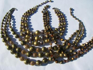 Gold tone chains of pearls, 50s-60s vintage plastic pearl bead necklaces lot