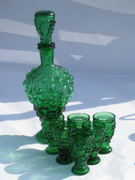 Green grape pattern glass retro decanter shot glasses set, 60s-70s vintage