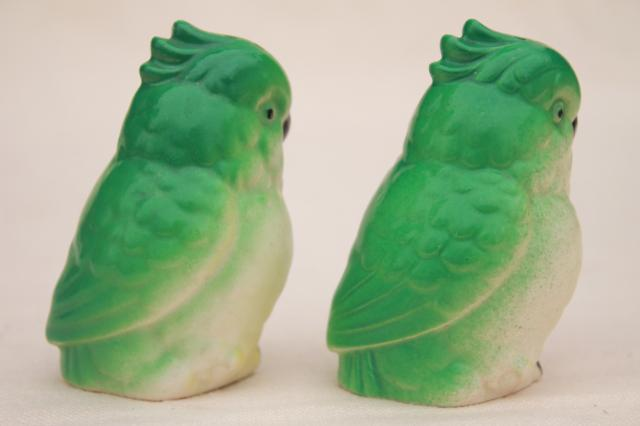 green parrots or cockatiels, cockatoo birds china S&P shakers, vintage Japan