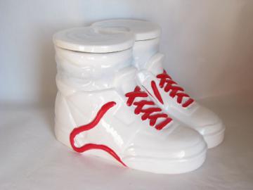 High-tops sneakers ceramic cookie jar in box, retro 80s vintage