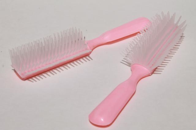 huge lot new old stock retro pink plastic hairbrushes, hair brushes for girls or dolls