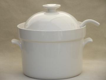 Huge pure white ceramic soup tureen, vintage Crate & Barrel