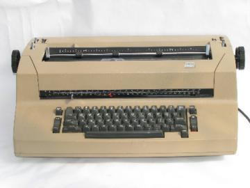 IBM Selectric II vintage electric typewriter w/ font ball
