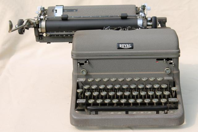 Vintage royal rf2842111 manual typewriter case 1954 canada.