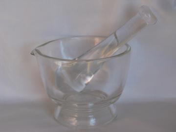 Large bowl mortar & pestle, heavy lab glass, nice for kitchen herbs & spices