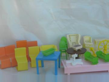 Large lot of retro 1970s Mattel toy plastic Barbie dollhouse furniture