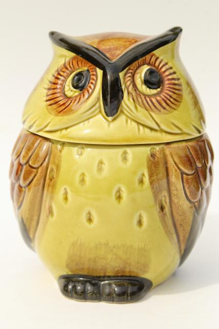large round owl jam pot, vintage hand painted ceramic owl Lego - Japan