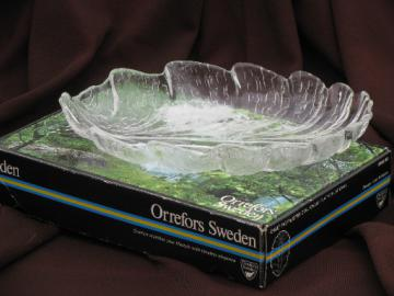 Lars Hellsten / Orrefors glass dish in box,  Eden tree of life leaf