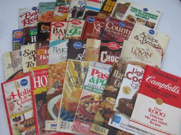 Lot 32 store counter cookbooks Pillsbury bake-off, Betty Crocker