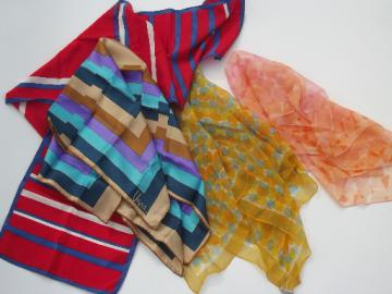 Lot of 4 Vera signed scarves, print silk and chiffon, retro 70s vintage