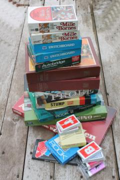 Lot of mod 60s vintage board games, card game sets & pieces, roulette wheel etc.