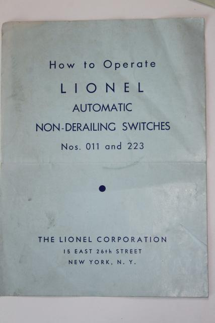 lot original vintage Lionel electric train accessories instruction leaflets