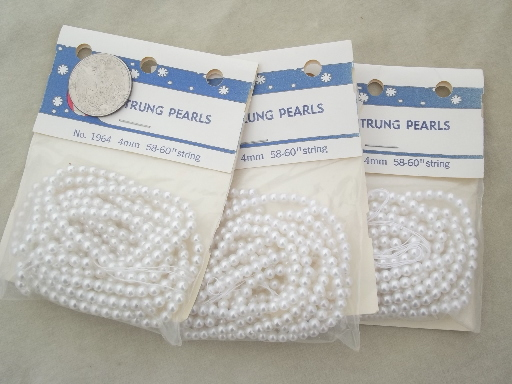 Lot vintage glass pearl beads, seed beads & larger pearls 50s 60s Japan