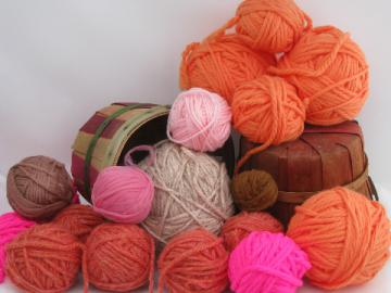 Lot vintage heavy weight rug yarn, retro coral, orange, bright pink!