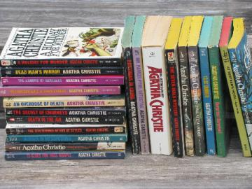 Lot vintage mystery paperbacks, retro pulp style all Agatha Christie