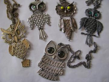 Lot vintage OWLS retro boho hippie jewelry, pendant necklaces