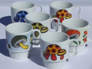 Magic mushrooms 70s vintage ceramic cups w/ poison spotted toadstools
