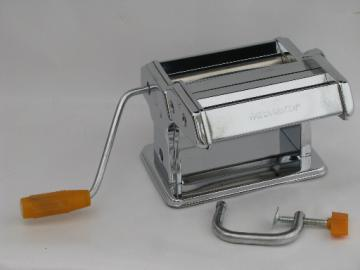 Marcato Atlas Pasta Queen hand-crank pasta maker, noodle roller and cutter