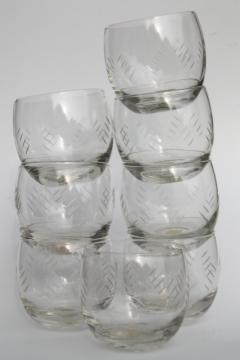 mid-century mod etched glass roly poly glasses, bar tumblers for drinks on the rocks