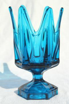 mid-century mod vintage Viking bluenique glass aqua blue art glass vase