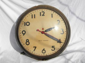 Mid-century Seth Thomas industrial machine-age wall clock 1944 patent
