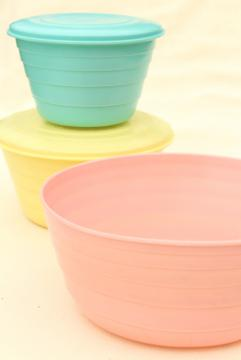 mid-century vintage Stanhome plastic bowls, aqua yellow pink Tupperware style containers