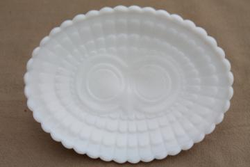 Milk glass soap dish w/ owl, retro vintage Avon owl milk glass soapdish