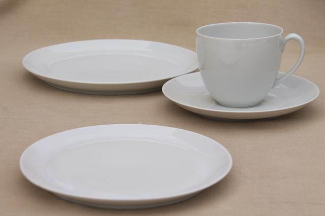 minimalist mod Schonwald plain white coupe china dinnerware mug cups \u0026 saucers \u0026 plates & minimalist mod Schonwald plain white coupe china dinnerware mug ...
