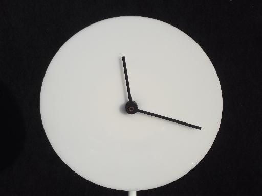 Mod blank face clock 60s 70s vintage table clock w plain white enamel on steel - Numberless clock ...