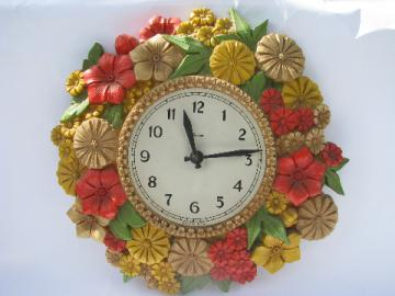Mod flowers bright zinnias kitchen wall clock, retro Syroco plastic, 70s vintage