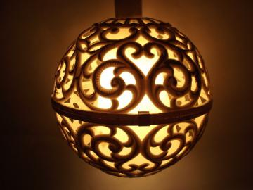 Mod plastic lace ceiling light, for plain flush mount socket or torchiere