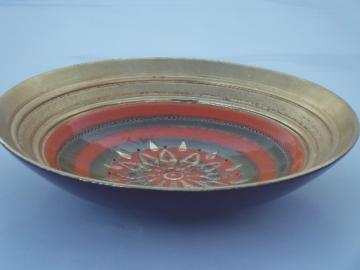 Mod vintage Italian sgraffito pottery bowl,  retro orange and green flower