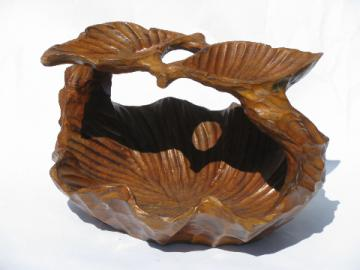 Natural tropical wood bowl, mod 70s vintage hand-carved freeform leaf