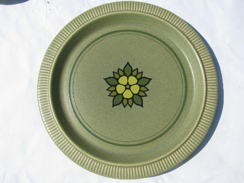 Nordic Green, danish mod style 70s vintage Pfaltzgraff dinnerware, set for 6