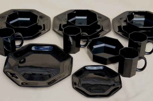 Octime Arcoroc vintage black glass dinnerware set modern geometric plates bowls mugs & Octime Arcoroc vintage black glass dinnerware set modern geometric ...