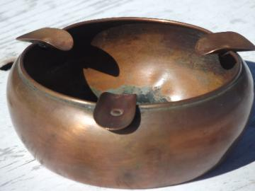 Old solid copper bowl shape ashtray, vintage West Bend WB mark