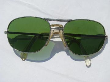 Pair of vintage men's aviator sunglasses/sun glasses w/green lenses - Japan